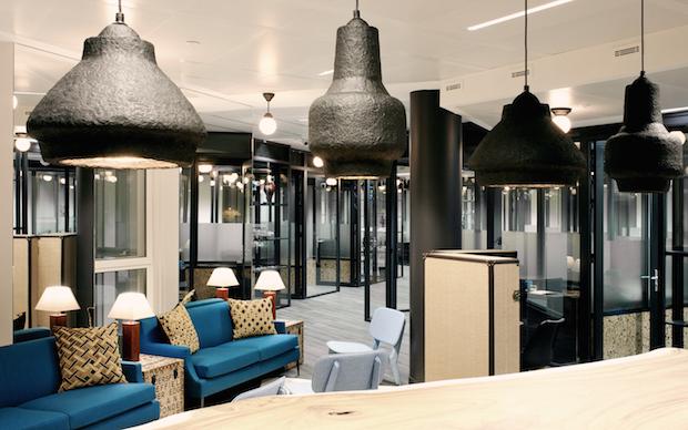 Coworking kwerk l 39 quilibre design entre bureaux for Architecture equilibre