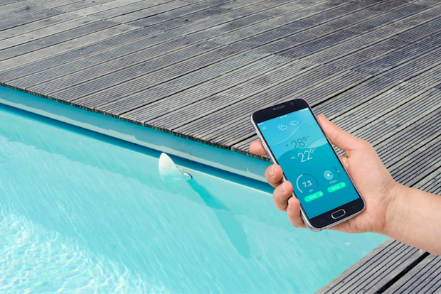 9 solutions pour rendre votre maison presque aussi for Analyse eau piscine
